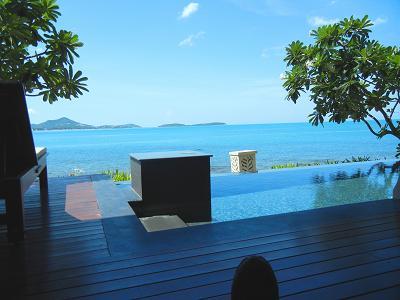 サムイ島のホテルのプールヴィラ