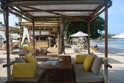 サラ サムイ チャウエンビーチのビーチフロントレストラン
